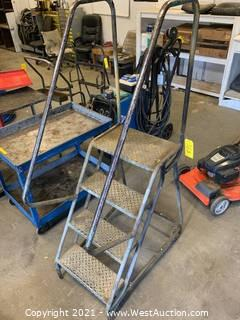 4-Step Warehouse Rolling Ladder