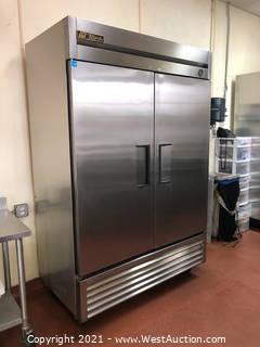 True 2-Door Freezer