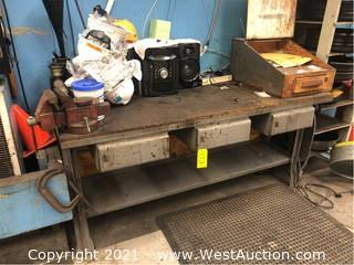 Metal Work Bench with Vise