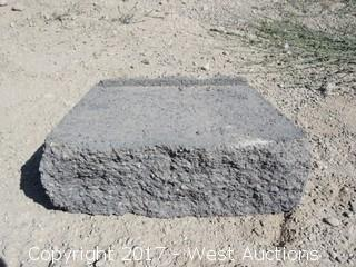 (5) Pallets of Garden Wall Gray/Charcoal Retaining Wall Block