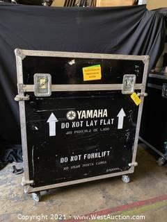 Yamaha Rolling Console Road Case With Doghouse