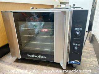Moffat E31D4 Half-size Stainless Steel Single Convection Oven