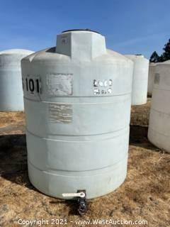 """1,000 Gallon Heavy Duty Vertical Field Storage Tanks With 2"""" Ball Valves"""